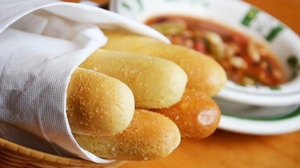 olive-garden-breadsticks1200xx1800-1013-0-90